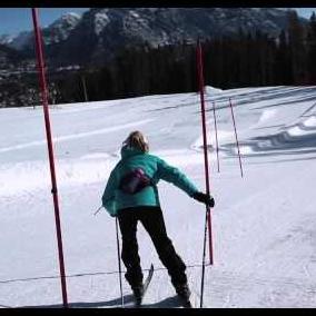 Embedded thumbnail for Terrain de jeu à ski
